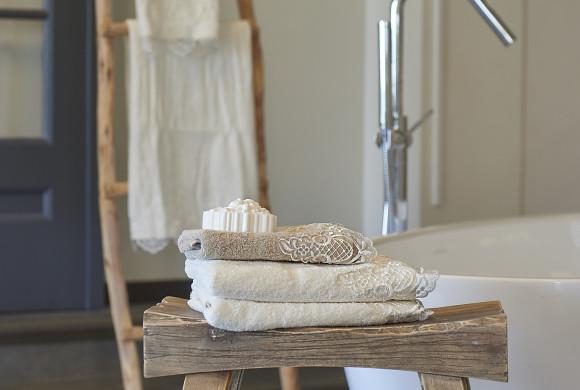 Zo houd je ruwe handdoeken zacht